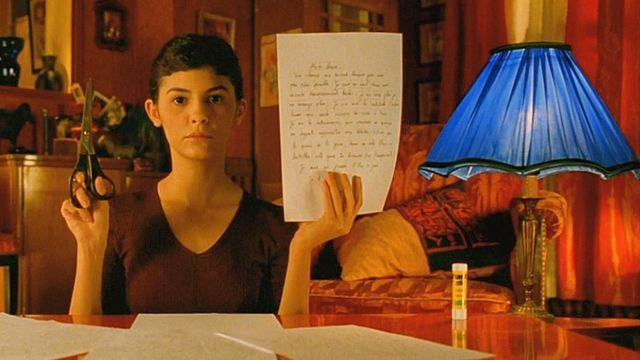 Le bâton de colle uhu de Amélie (Audrey Tautou) dans Le Fabuleux destin d'Amélie Poulain