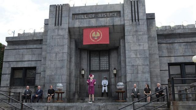 The True Banner Of Panem In Hunger Games Spotern