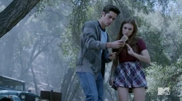 """The skirt """"plaid"""" / scottish Lydia Martin (Holland Roden) in Teen Wolf S03E14"""