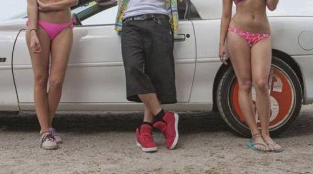 Les chaussures Supra suede skytop rouges dans Spring Breakers