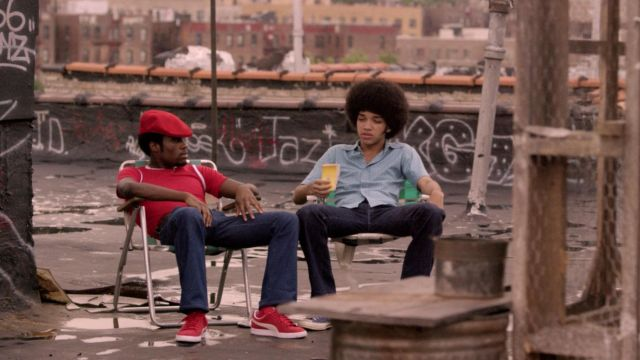 The Puma Suede red Curtis / Shaolin Fantastic (Shameik Moore) in The Get Down S01E02