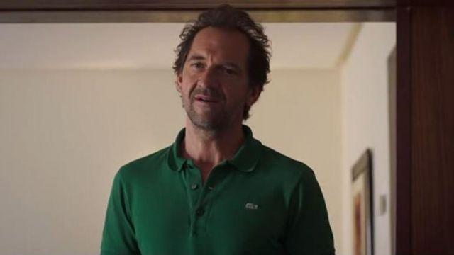 Le Polo vert Lacoste de Michel Caulaincourt (Stéphane De Groodt) dans Kaboul Kitchen S03E08