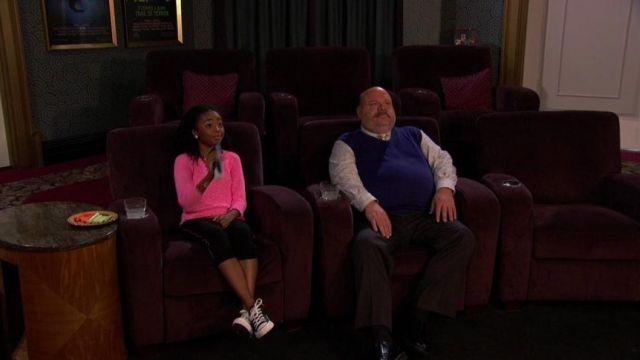 Les converses noires de Zuri Ross (Skai Jackson) dans Jessie