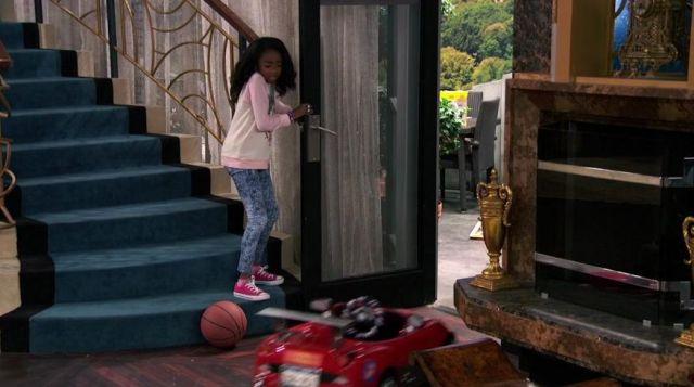The converse black from Zuri Ross (Skai Jackson) in Jessie