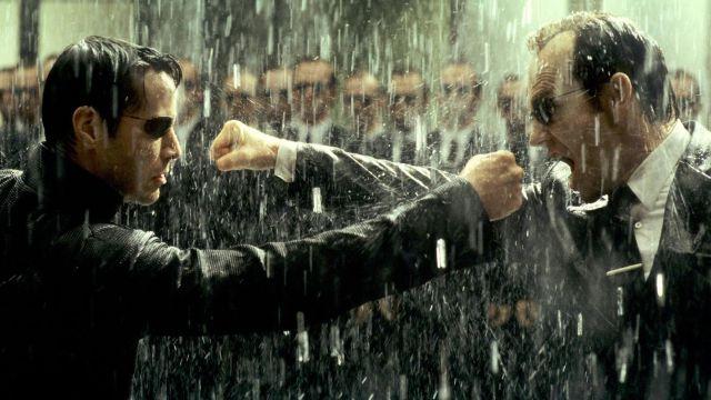 La véritable cravate noire de l'Agent Smith (Hugo Weaving) dans ...