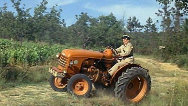 Un gendarme sur un tracteur - Devinette humour 6652-1532336916