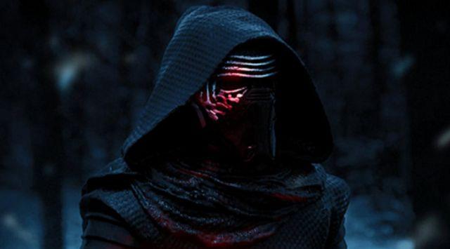 the helmet of Kylo Ren (Adam Drvier) in Star Wars VII : The awakening of the Force