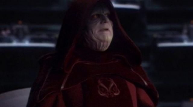 The Tunic Velvet Red Of Palpatine Ian Mcdiarmid In Star Wars Iii Revenge Of The Sith Spotern