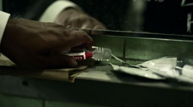 Shadow Moon's Colgate Cavity Protection toothpaste in American Gods S01E01