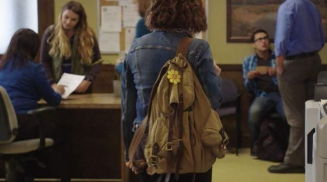 The backpack of Hannah Baker (Katherine Langford) in 13 Reasons Why season 1