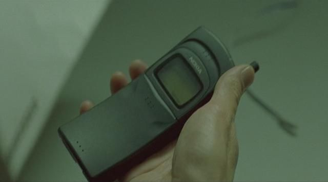 The mobile phone Nokia 8110 Neo (Keanu Reeves) in the Matrix