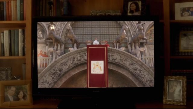 Tv Sharp view in The Young Pope