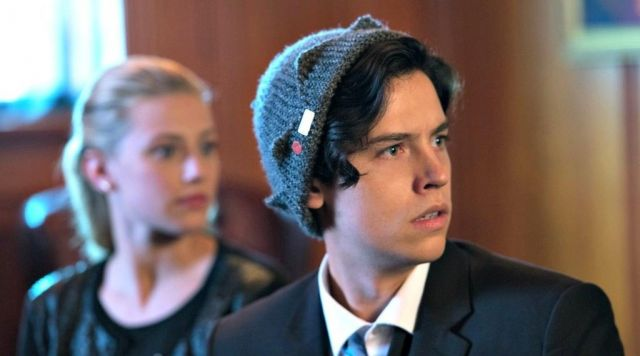 The beanie gray Jughead (Cole Sprouse) in Riverdale