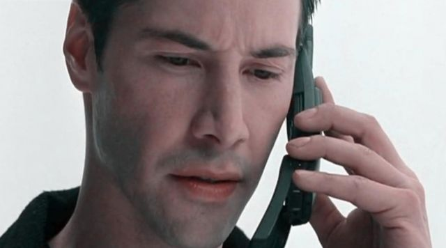 The portable Nokia 8810 Thomas A. Anderson (Keanu Reeves) in the Matrix