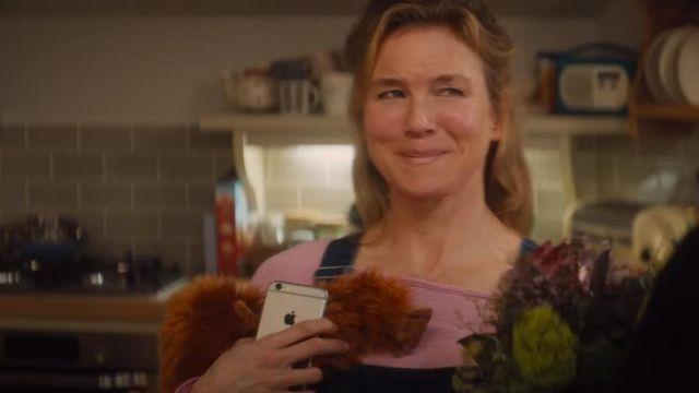 """IPhone 6 gold color of Bridget Jones (Renée Zellweger) in """"Bridget Jones Baby"""""""