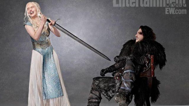 The blue dress of Daenerys Targaryen (Emilia Clarke) in Game of Thrones