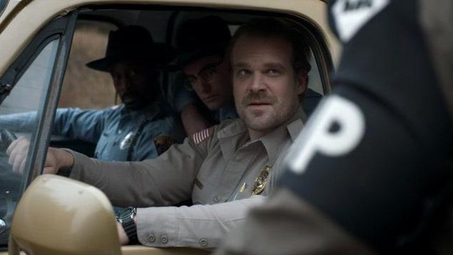 The vintage watch of Jim Hopper (David Harbour) in Stranger Things S01E03