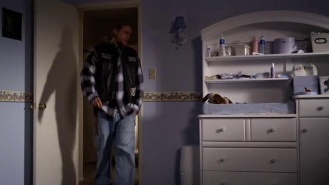Mustela Hydra Baby body lotion for Abel Teller as seen in Sons of Anarchy S02E05