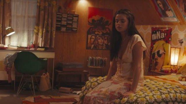 """Robe à fleurs portées par de Selena Gomez dans le """"Mauvais Menteur"""" video clip"""