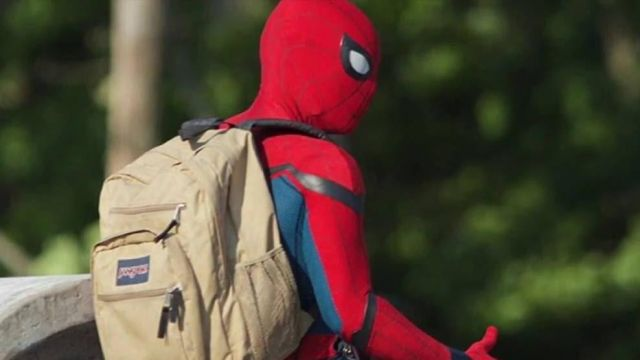 latest design discount up to 60% sneakers The backpack of Peter Parker / Spider-Man (Tom Holland) in ...