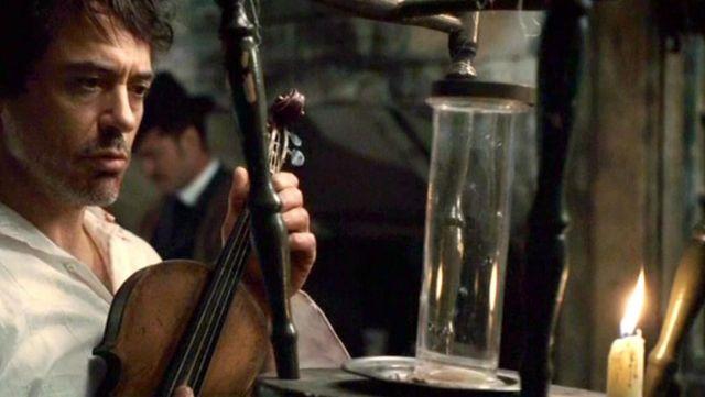 The violin of Sherlock (Robert Downey jr. ) in Sherlock Holmes The ...