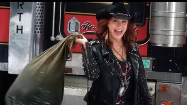 Bad Moms Christmas Susan Sarandon.The Jacket Biker Jacket By Susan Sarandon In Bad Moms 2