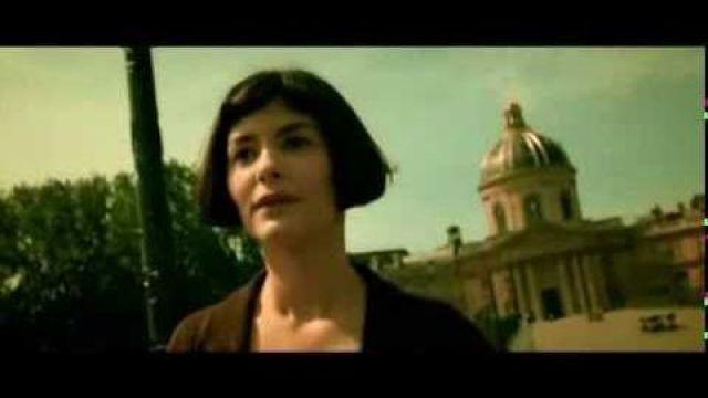 Le pont des arts à Paris dans Le fabuleux destin d'Amélie Poulain (Audrey Tautou)