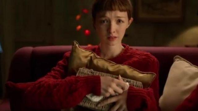 grand choix de 51b76 89c43 Le pull rouge de la fille dans le clip Pourvu de Gauvain ...