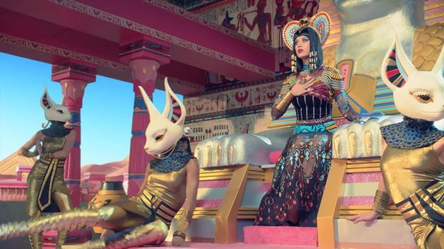 Egyptian costume Katy Perry in her music video Dark Horse