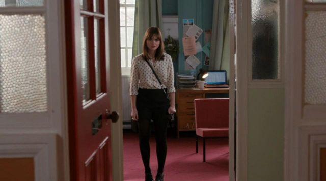 La chemise à motifs Topshop de Clara Oswald (Jenna Coleman) dans Doctor Who S08E06