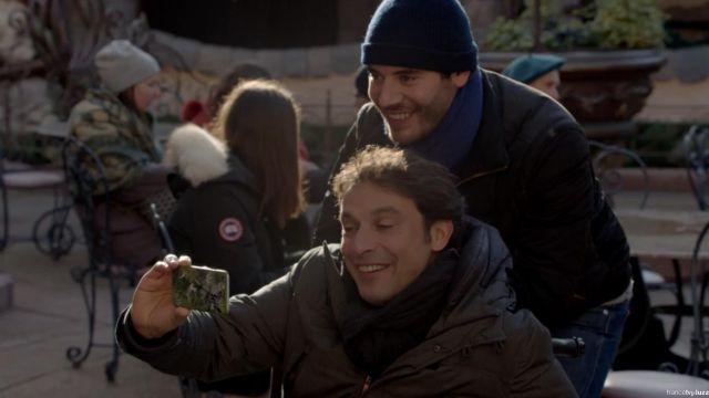 La coque du smartphone de Denis Blouley (Bruno Salomone) dans Fais pas ci Fais pas ça S06E08