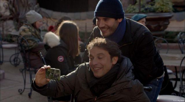 La coque du smartphone de Denis Bouley (Bruno Salomone) dans Fais pas ci Fais pas ça S06E08