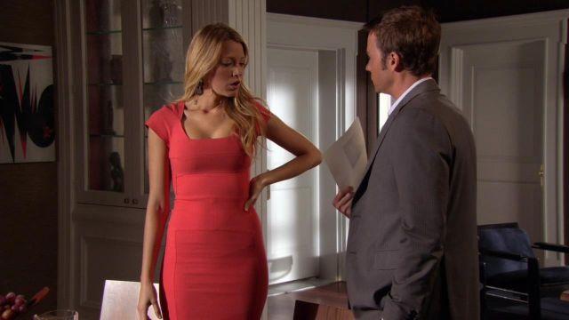 La robe corail de Serena van der Woodsen (Blake Lively) dans Gossip girl S06E04