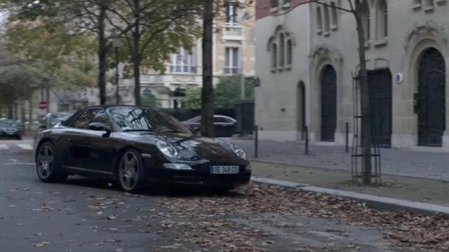 The Porsche Carrera 911 convertible Antoine Roca (Benoît Magimel) in Carbon