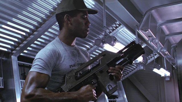 L'authentique t-shirt gris porté par Frost (Ricco Ross) dans Aliens - Le retour