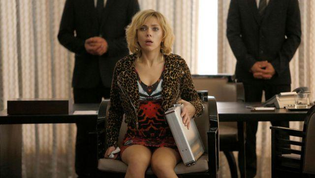 The Alexander McQueen dress of Lucy (Scarlett Johansson) in Lucy