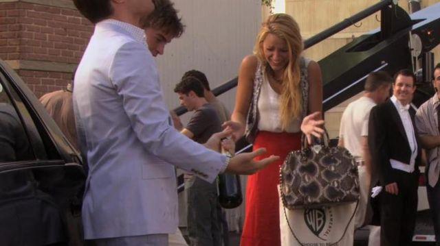 Le sac à main serpent de Serena Van der Woodsen (Blair Waldorf) dans Gossip Girl S05E01