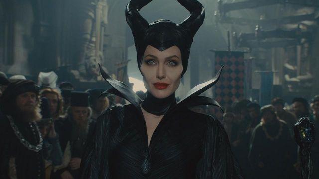 La réplique du costume de Maléfique (Angelina Jolie) dans le