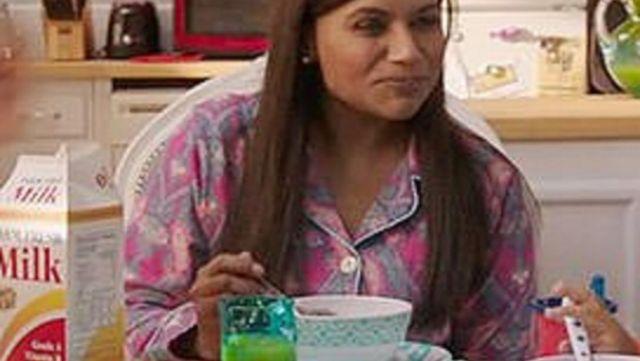 The pyjama pattern paisley of Mindy Lahiri (Mindy Kaling) in The Mindy project S06E01