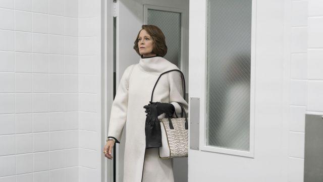 Le sac Paige Gamble NYC d'Alexandra (Sigourney Weaver) dans The Defenders