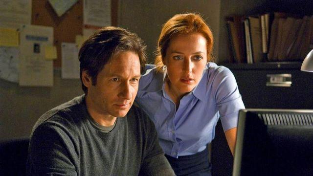 La chemise de Dana Scully (Gillian Anderson) dans X-Files : Au frontière du réel