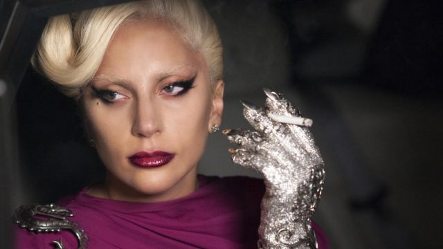 The diamond earrings of the Countess (Lady Gaga) in American horror story : Hotel S05E03