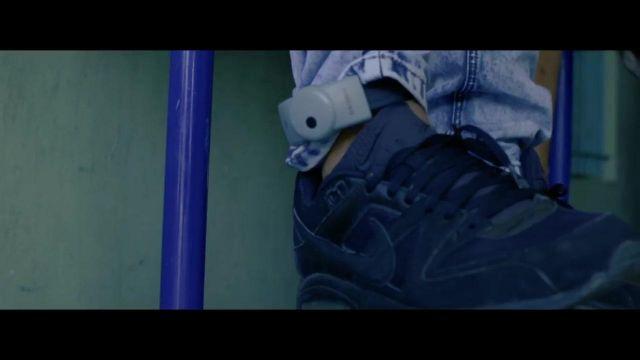 The Nike Air Max Command Flex in the clip Chino Ninho | Spotern