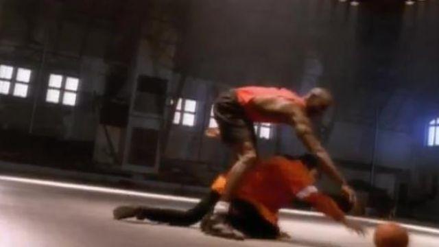 Casi deletrear Despertar  The Nike sneakers Air Jordan Michael Jordan in the clip Jam from ...