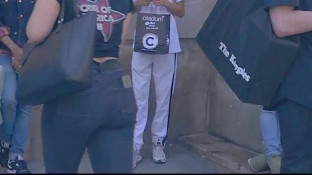 """Les baskets grises Nike Air Max 97 OG dans le video clip """"Ils pensent"""" de Krisy"""