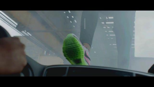 De Everest SopranoSpotern Le Nike Mon Dans Les Clip 2017 wPXOTilkZu