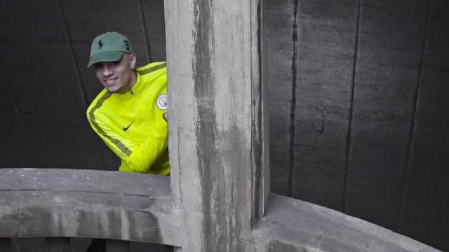 La casquette Polo Ralph Lauren semblable à celle portée par Mister V dans son clip Top Album