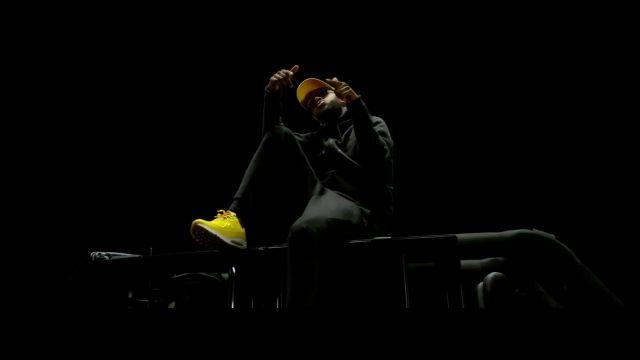 The Nike Airmax in the clip Bi Chwiya of Lefa | Spotern