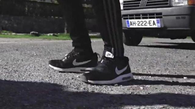 Les sneakers Nike Air Max dans le clip Top Album de Mister V