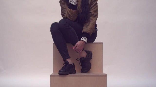Les sneakers Nike Air Plus dans le clip Embrasse-moi de MZ